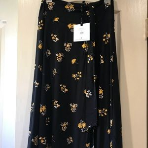 Dresses & Skirts - Agnes and Dora BNWT Medium Side Sash Skirt